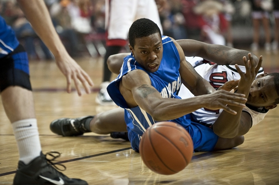 52e76dbd613d01 Here's Why Basketball Players Wear Tights (reason #4 is very important)